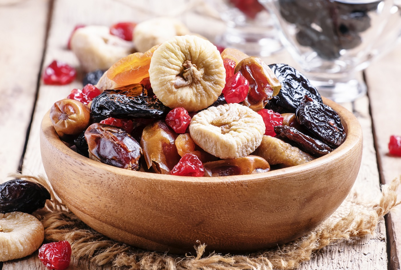 Nên mua trái cây sấy khô ở đâu ngon và an toàn?