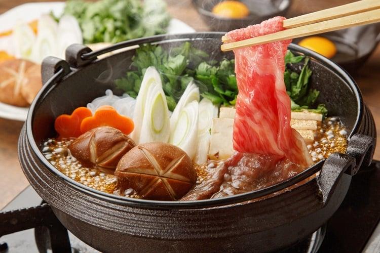Món Sukiyaki Nhật Bản