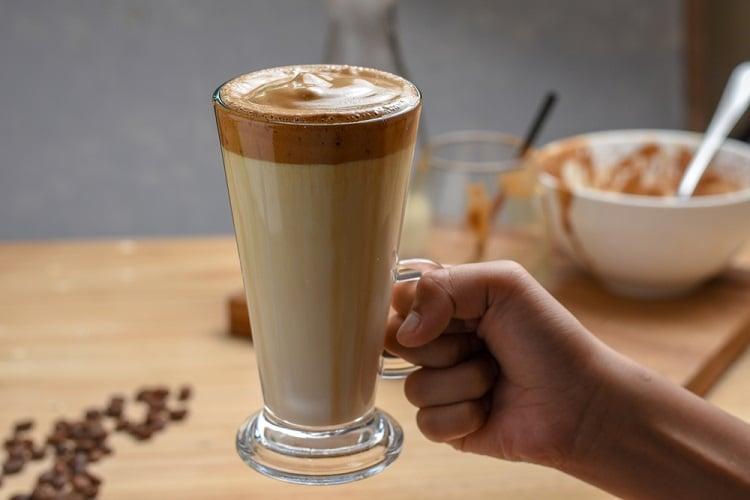 Các làm cà phê bọt biển bằng cà phê phin - đồ uống hot trend 2020