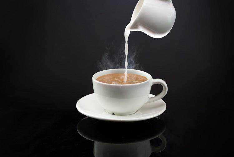 Cách pha cà phê với sữa tươi
